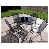 PATIO SET: EXPANDED METAL ROUND TABLE W/ 4