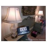 LOT: (2) CRYSTAL TABLE LAMPS W/ BRASS BASE (2X