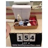 BOX: TOILETRIES, MIRROR, LOTION