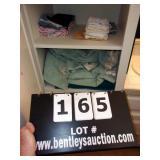 LOT: ASSORTED TOWELS, HAND TOWELS, & WASH CLOTHS
