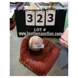 LOT: MACGREGOOR GOLD SMITH G113 GLOVE, SOFT BALL