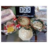 LOT: 6 PIECES FITZ & FLOYD CHRISTMAS PLATES,