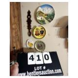 LOT: 4 ASSORTED DECORATIVE PLATES & WOODEN