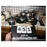 LOT: 9 DUNCAN HINES COOKWARE POT / PANS