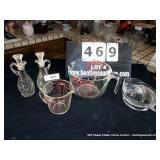 LOT: 2 PYREX MEASURING CUPS, JUICER & 2 CRUETS