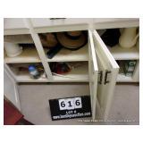 CONTENTS CABINETS:  HATS - BAGS - DÉCOR - SHELF