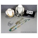 LOT: (5) COSTUME JEWELRY FASHION NECKLACES-MIXED