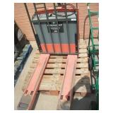 TOYOTA ELECTRIC PALLET JACK MODEL: 7HBW23 4500 LBS