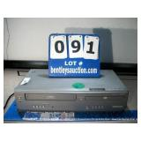 MAGNAVOX DV200 MW8 DVD/VCR COMBO