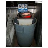 PLASTIC TRASHVANS (3X MONEY)