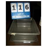 LOT: PLASTIC CONTAINERS
