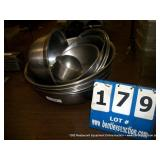 STAINLESS STEEL ROUND ASSORTED PANS (12X MONEY)