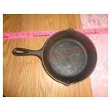 Small cast iron pan - Lodge