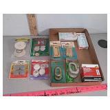 Assorted new items, door hinges, lap links,