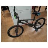 "Boys 18"" mongoose bike bicycle"