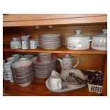 """Noritake """"Desert Flowers"""" stoneware dish set"""