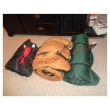 2 sleeping bags & mat