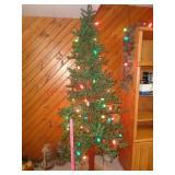 Rustic decor tree w/ lights & pine cone garland