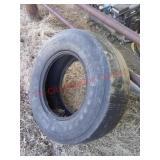 1 Good Year 9.5L-15FI tire