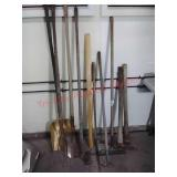 >Lot of garden lawn tools