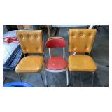 > lot of 3 vintage chairs. 1 bigger kids chair on