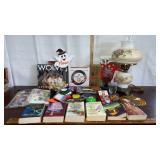 Lot of Nora Roberts Books, vintage lamp, Arrow