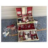 Jewelry and jewelry box