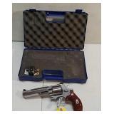 Smith & Wesson 357 mag. revolver