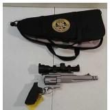 Smith and Wesson 500 revolver w/scope