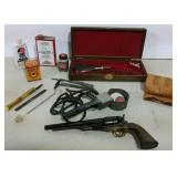 Black Powder Pistol w/loading & cleaning items