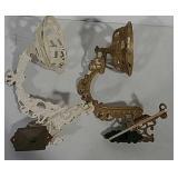 2 cast iron lamp brackets