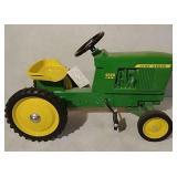 Ertl John Deere 4020 diesel pedal tractor