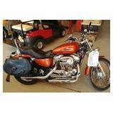 2005 - 883 Custom Harley Davidson Motorcycle