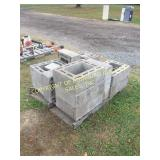 LOT OF CHIMNEY BLOCKS