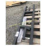 PAIR OF NEW BUCKET MOUNT PALLET FORK ATTACHMENTS