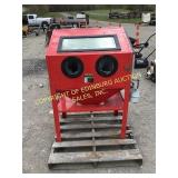 CENTRAL PNEUMATIC SAND BLASTER CABINET
