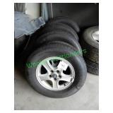Hyundai Wheels & Tires 225/70R16 (Set of 4)
