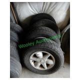 Nissan Tires & Wheels 255/70R16 (Set of 4)