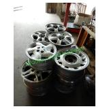 18 Assorted Wheels in Group (No Matching Pairs)