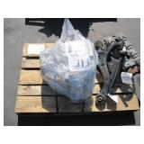 PALLET WITH KIA TRANSMISSION & CYLINDER HEAD