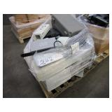 A PALLET OF ASSORTED ELECTRONIC ITEMS