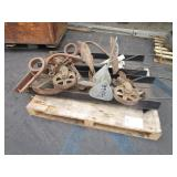 PALLET WITH ANCHOR, FIELD PLOW, 2 WHEEL RAMPS