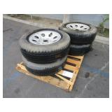 PALLET WITH FOUR TIRES
