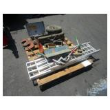 A PALLET WITH ASSORTED TOOLS