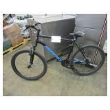 1 BLACK DIAMONDBACK BMX BIKE