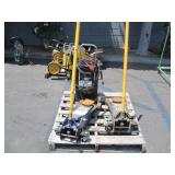 LOT WITH 2 TON JACKS & ASSOCIATED FAST CHARGER