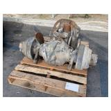 PALLET WITH FORKLIFT AXLE