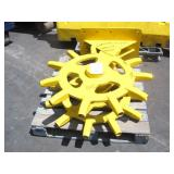 PALLET WITH WHEEL COMPACTOR ATTACHMENT