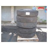 PALLET WITH 5 MICHELIN TRUCK TIRES