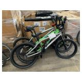 LOT WITH 3 BMX BIKES: 2 SILVER, 1 GREEN